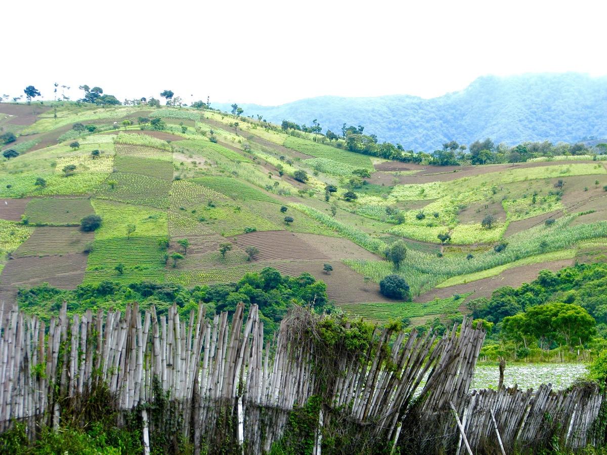 Photo d'un paysage lors d'un voyage au Guatemala pour le livre Chasseurs de pierres au Guatemala