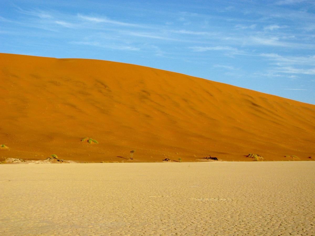 Photo d'un désert lors d'un voyage au Namibie pour le livre Chasseurs de pierres en Namibie