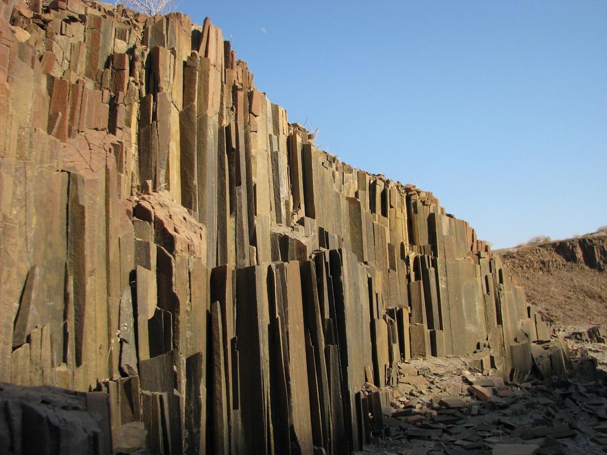 Photo de rochers lors d'un voyage au Namibie pour le livre Chasseurs de pierres en Namibie