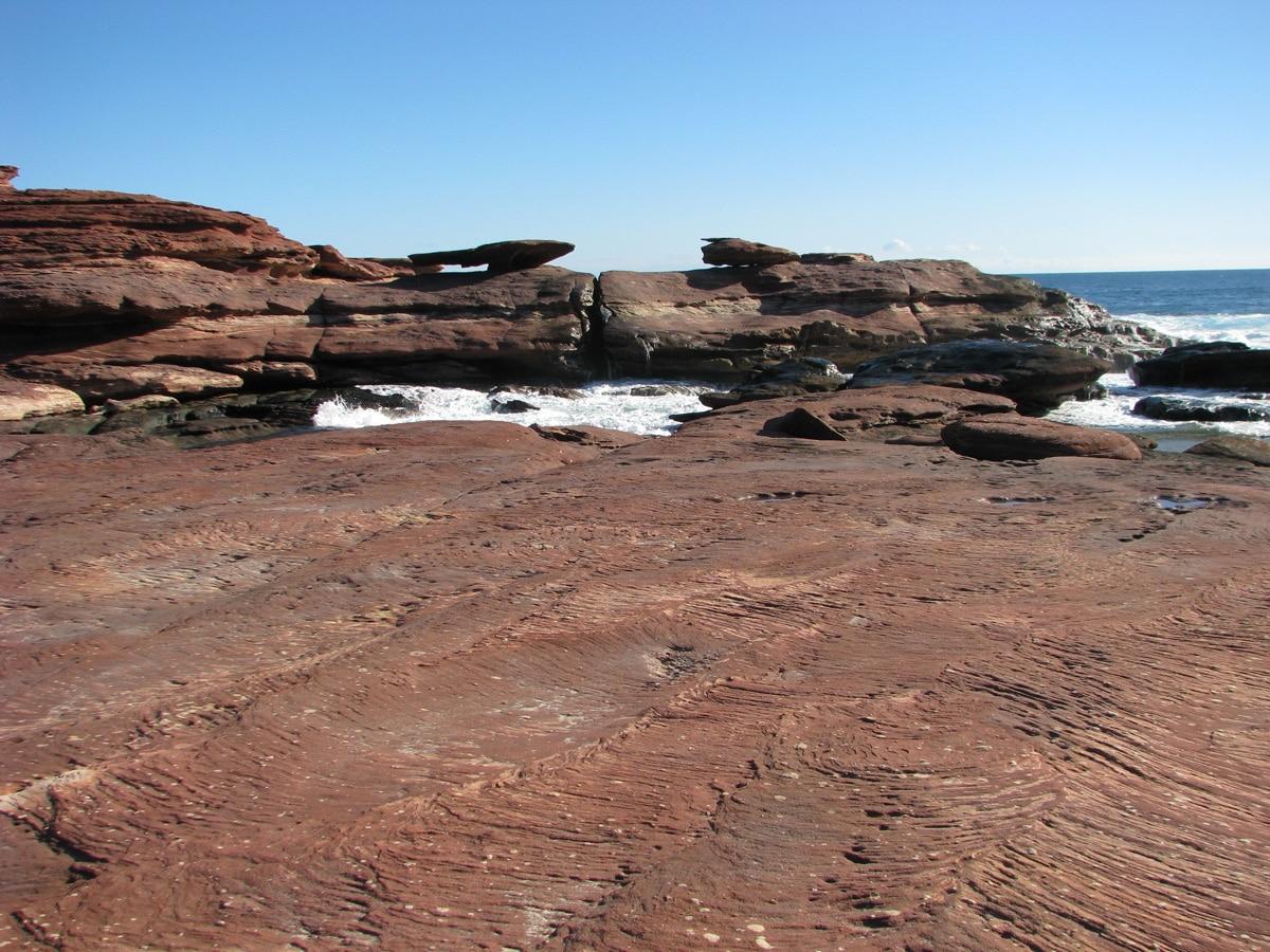 Photo d'un paysage, la pierre champignon, lors d'un voyage en Australie pour le livre Chasseurs de pierres en Australie