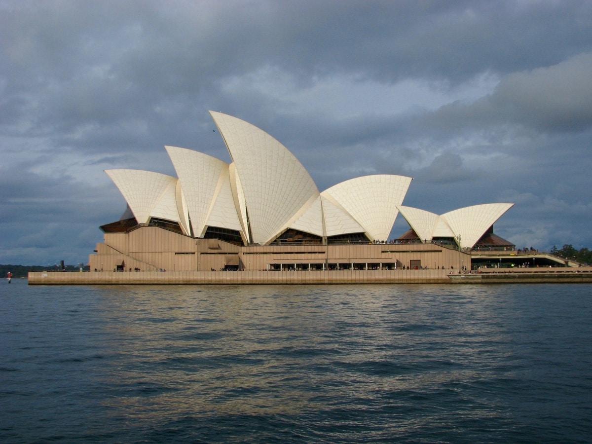Photo de l'opéra de Sydney lors d'un voyage en Australie pour le livre Chasseurs de pierres en Australie